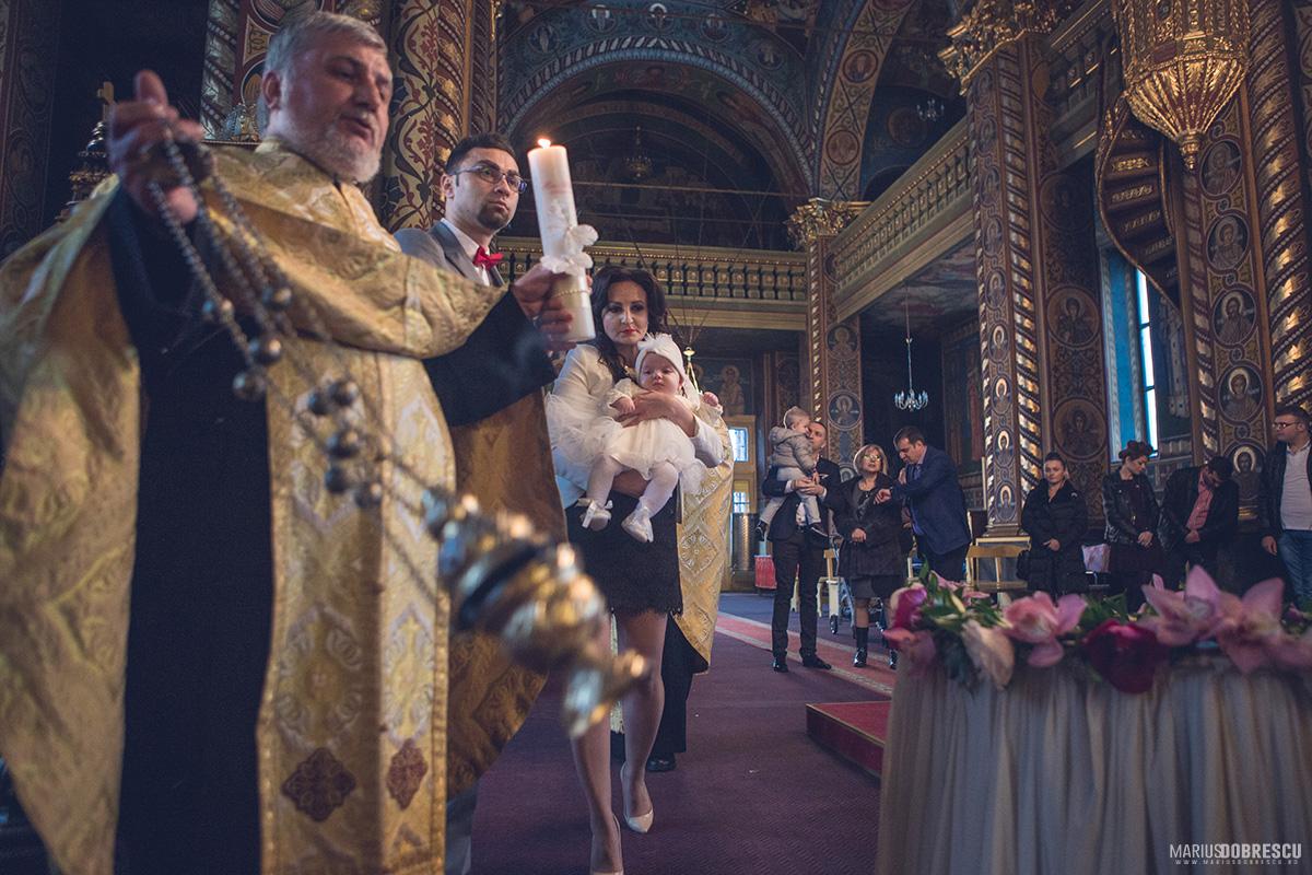 Fotografii botez - Maria Rebeca, Ploiesti | Marius Dobrescu - Fotograf nunta